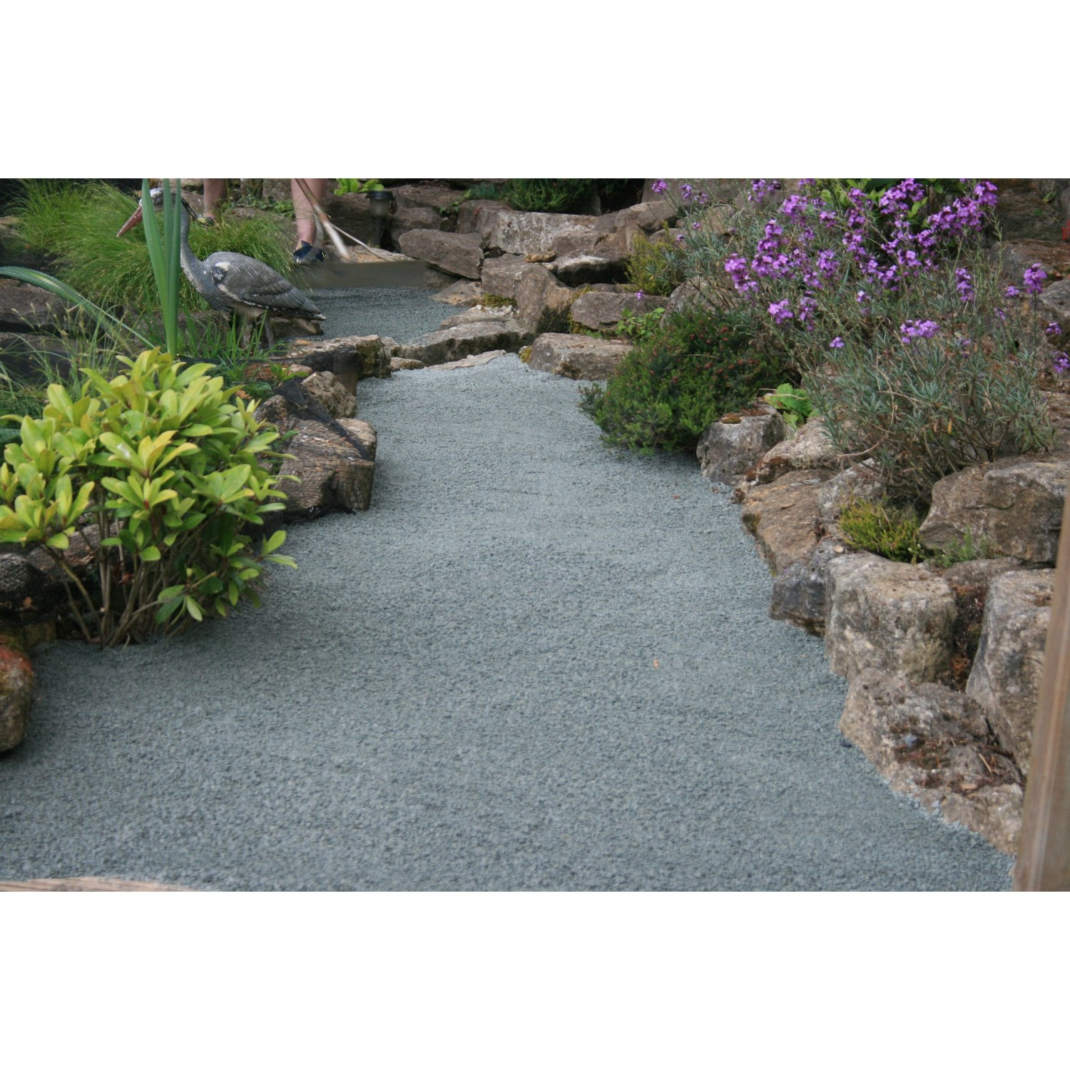 Permeable Gravel Driveways Stabilized For Vehicle And Pedestrian